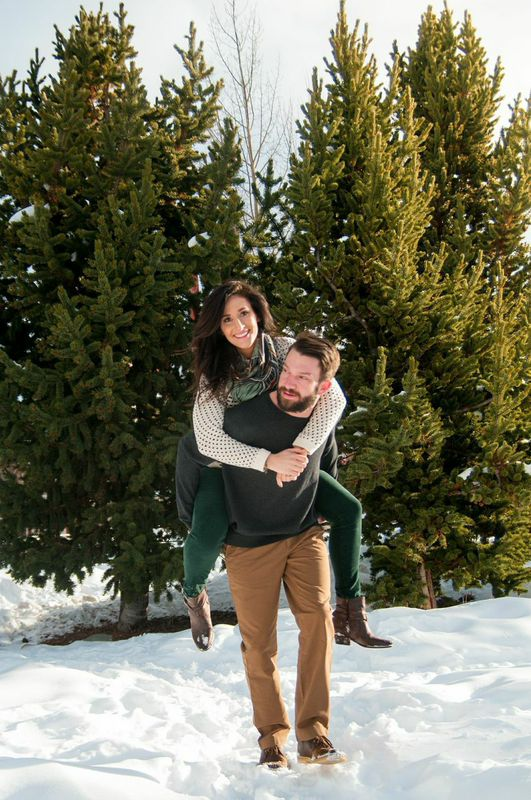 picture of a Breckenridge engagement photo shoot