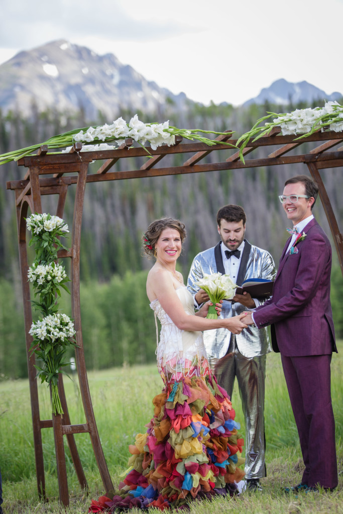 Colorado weed weddings distinctive mountain events picture of a bride and groom in outdoor colorado wedding junglespirit Image collections